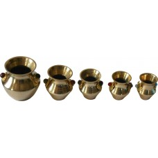 CHRISTMAS GIFT OR NEW YEAR GIFT SET OF 5 PURE BRASS URN NICE ART WORK & DESIGN